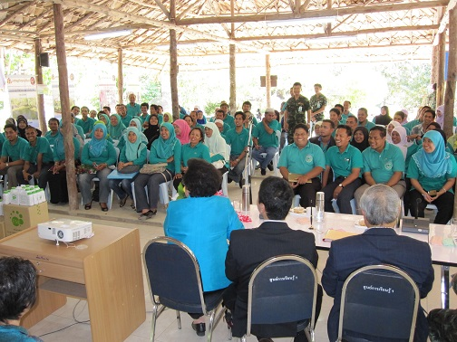 Seminar at the model farm with Prof. Higa as a guest