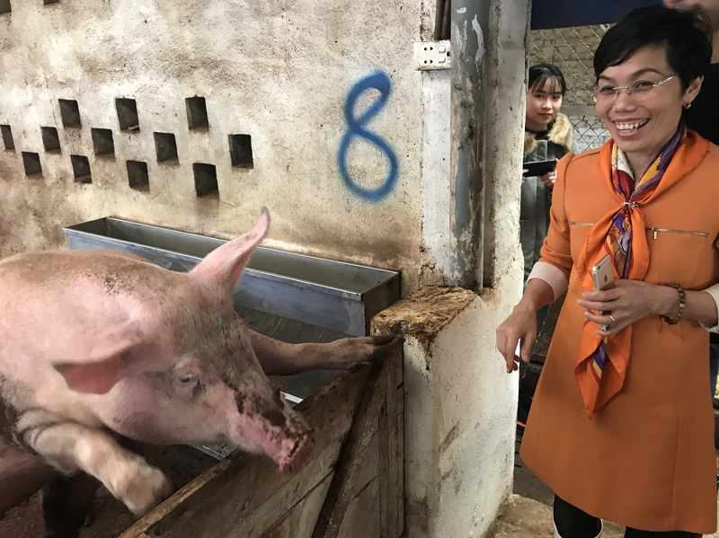 Ms. Lien, owner of Thuy Thien Nhu Farm
